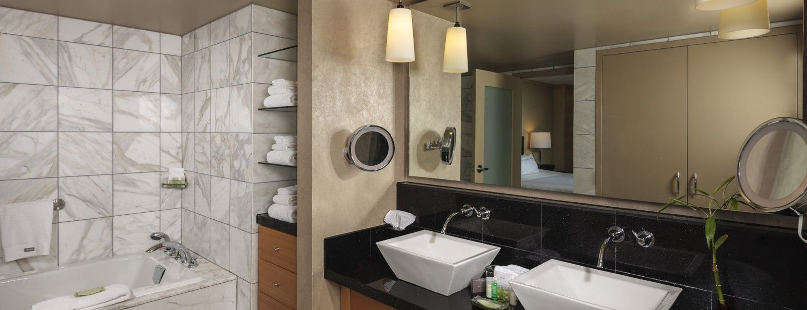 Bathroom | The Westin Detroit Metropolitan Airport Hotel